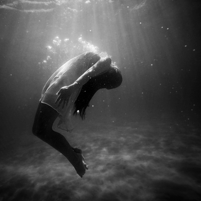 Beinaher Tod im Eiswasser: Ein Zufall gab der Forschung neue Impulse. Bildquelle: Christopher Campbell / Unsplash