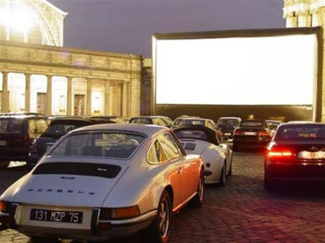 War früher irgendwie ungefährlicher: Filme im Auto sehen Bildquelle: wikipedia.org